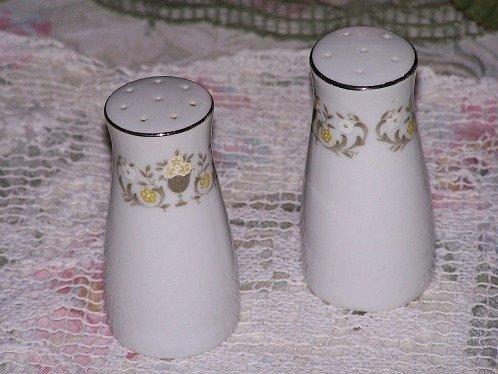White Salt Pepper Shakers Elegant Made In Japan